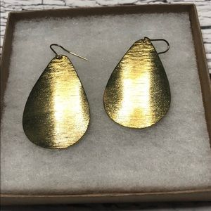 *6/$30* Gold statement earrings